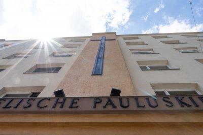 Kreuzfassade der Pauluskirche